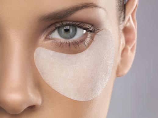 Эффективные маски для лица, шеи и вокруг глаз в борьбе за упругую кожу