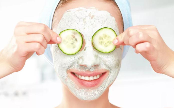 Сухая кожа лица: как бороться с шелушениями?